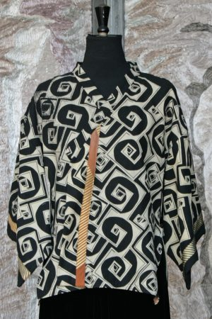 Kioko Kimono Cardigan in Black and Cream Linen with Cube and Stripe Phantom Print