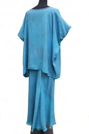 Slim Bias Skirt in Textured Woven Silk in Soft Leighton Blue